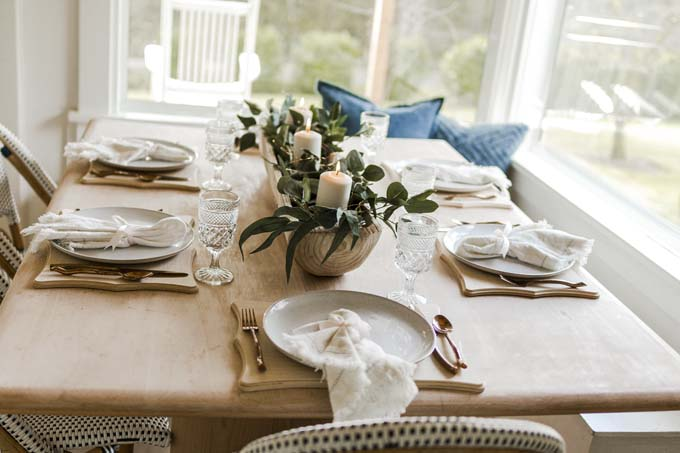 Modern Farmhouse Dining Room Remodel / How to modernize my dining room / dining room home decor / how to decorate your dining room / easy decor tips and tricks / diy dining room / farmhouse table / modern farmhouse tablescapes / tablescape remodel / remodel and tour / easy home remodel / simple decor remodel / big farmhouse windows / HallstromHome
