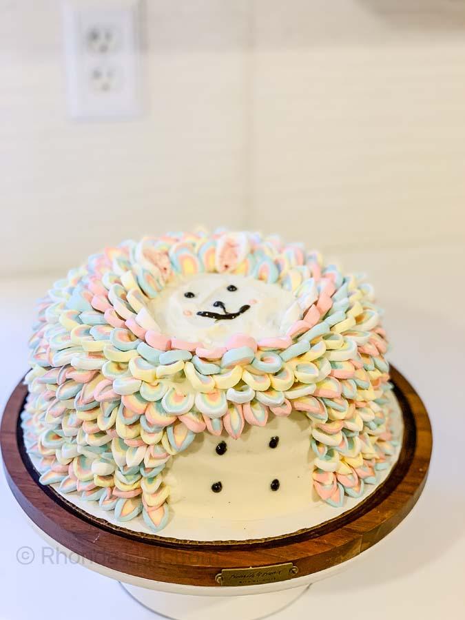 Birthday Cake Decorating / Girl Birthday Cake Ideas / Birthday Cake Ideas / Cake Decorating How To / Cake Decorating Easy / Cake Decorating Ideas Easy / HallstromHome
