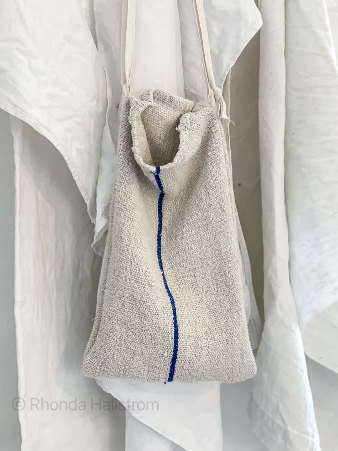 Grain Sack Ideas / How to Use A Grain Sack / Grain Sack Bags / Grain Sack Fabric / Grain Sack Totes / Hand Made Bags / Home Made Bags / Hand Made Purse / Grain Sack Purse / HallstromHome