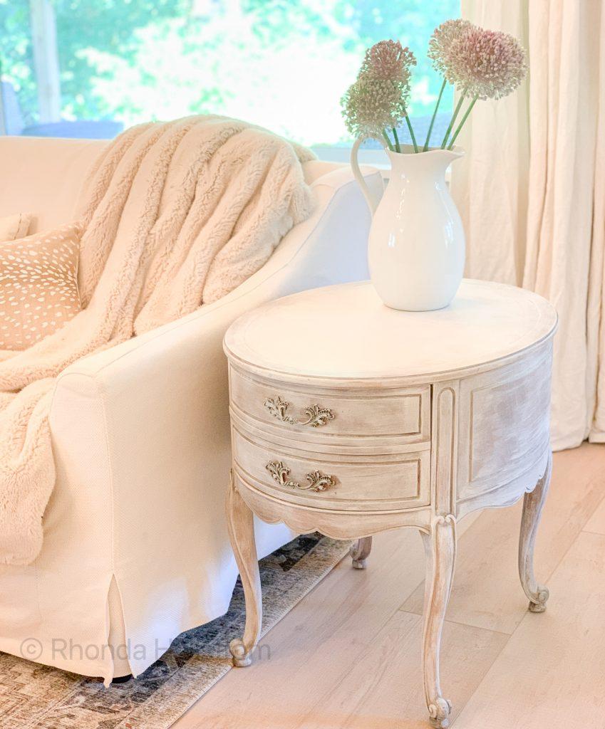 Shabby Chic Living Room / Modern Shabby Chic Living Room / Shabby Chic Living Room Decor ideas / Modern Shabby chic / Boho Shabby Chic / HallstromHome