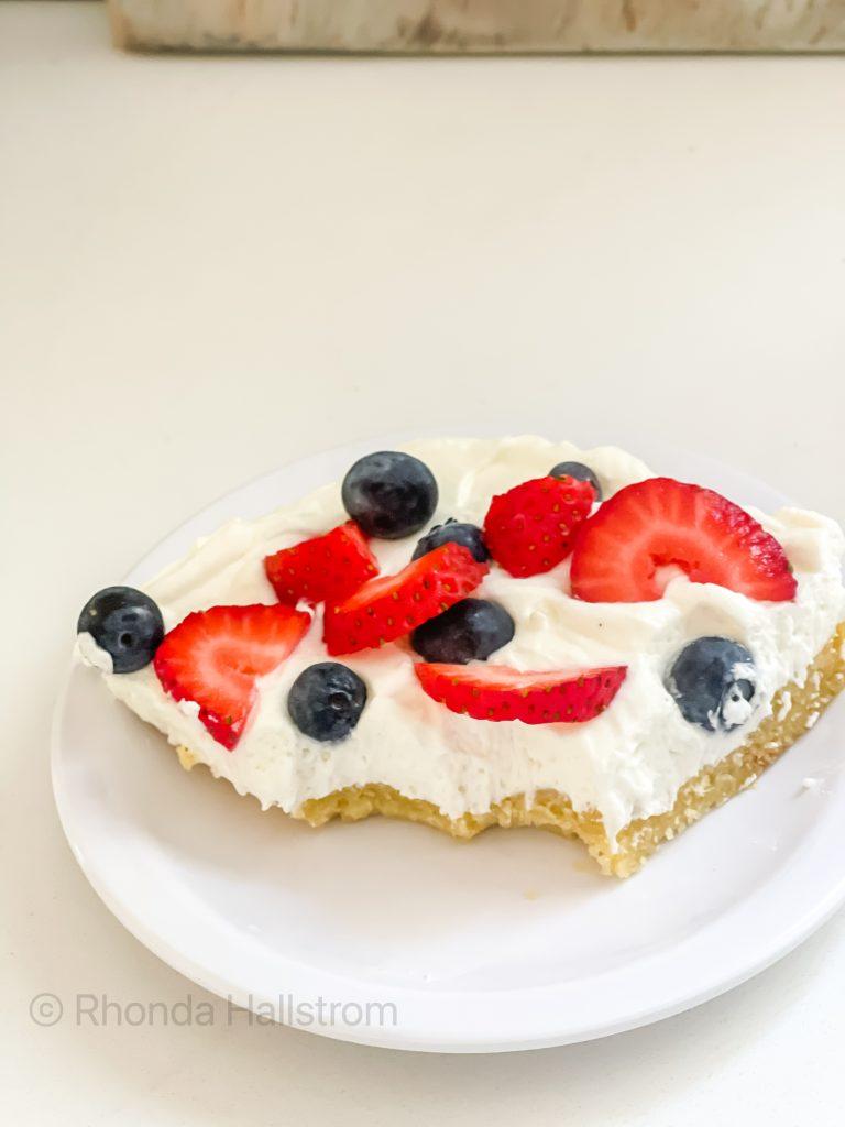 Berry Pizza Recipe / Mixed Berry Pizza / Brunch Pizza / Dessert Pizza / Summer Dessert / Strawberry Blueberry Pizza / HallstromHome