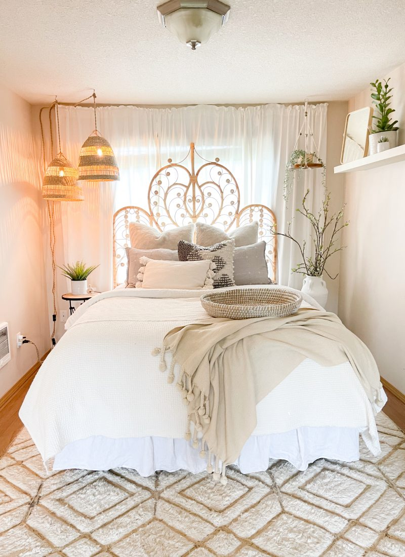 Small Bedroom Ideas For Renters / How To Maximize Space For Small Room / Shopping with ikea for small bedroom / Space Saving Decorating Ideas / HallstromH