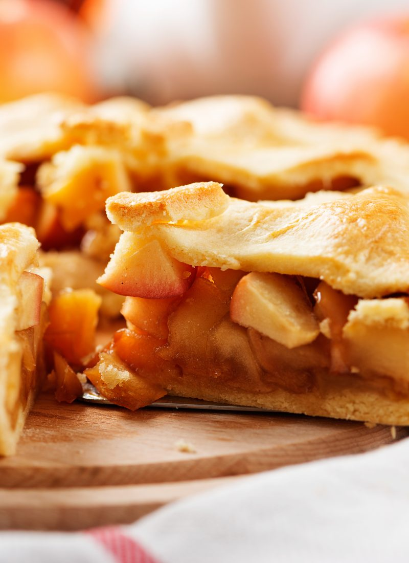 Best Homemade Apple Pie / How To Make Apple Pie / Homemade Apple Pie Recipe / Easy Apple Pie / Apple Pie Crust Recipe / HallstromHome